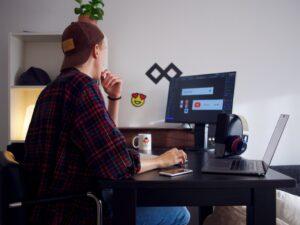 Do Graphic Designers Use Procreate?